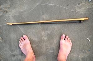 strijkstok aan mijn voeten